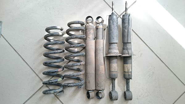 tokico oem suspension hilux revo